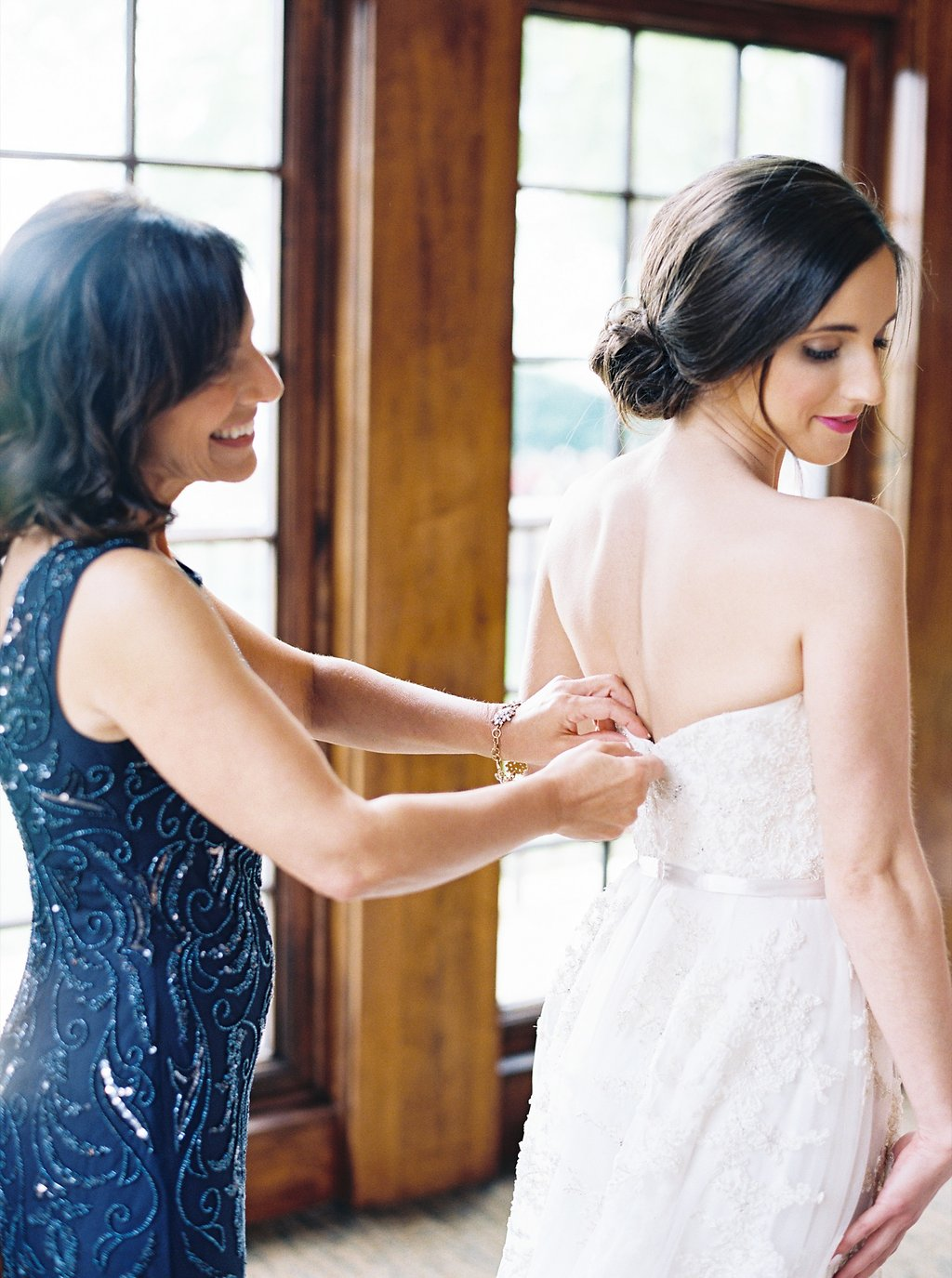 Bride Getting Ready Photos | Reem Acra Wedding Gown | Simply Jessica Marie's Southern Wedding | Photo by Perry Vaile Photography