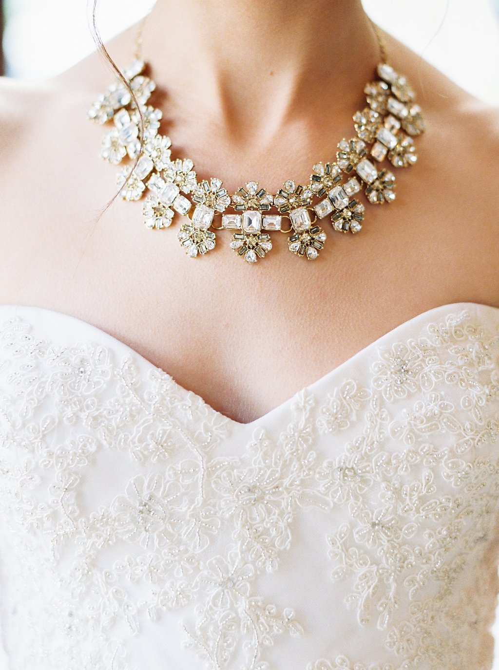 Bride Getting Ready Photos | Kate Spade Bridal Necklace and Reem Acra Wedding Gown | Simply Jessica Marie's Southern Wedding | Photo by Perry Vaile Photography