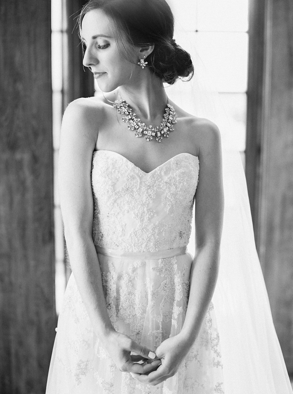 Romantic Southern Bridal Portrait | Reem Acra Wedding Gown | Simply Jessica Marie's Southern Wedding | Photo by Perry Vaile Photography