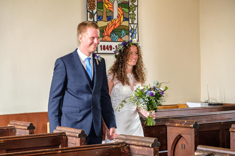 David and Hanna 02 Church-15.jpg