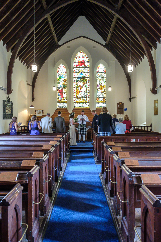 David and Hanna 02 Church-18.jpg