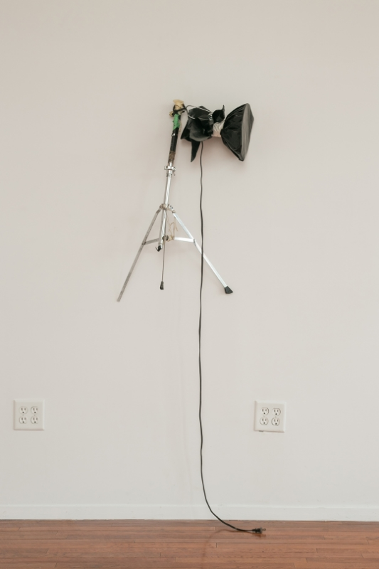 Samuel Payne Suffocated Light (Clarity = Proximity) 2014 Cymbale stand, garbage bag, duct tape, string 36 x 21 x 16 inches