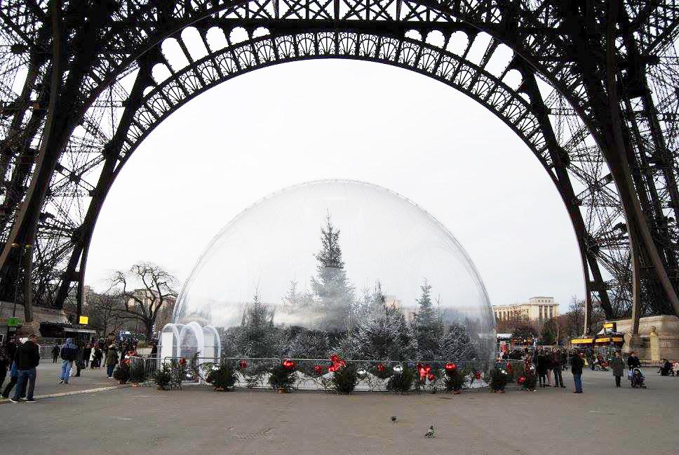 Paris, France (Tour de Eiffel)