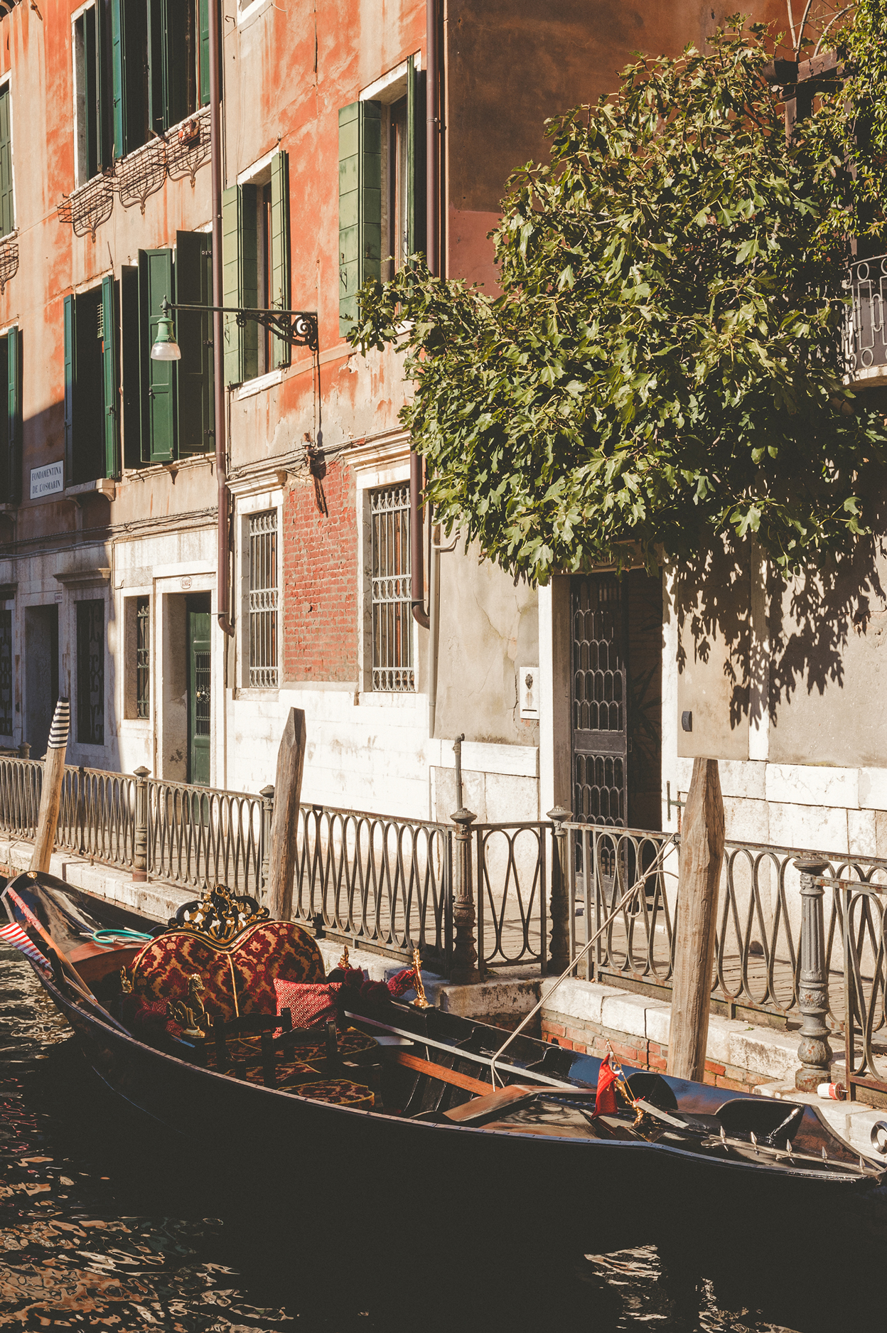 KC_Lifestyle_Photographer_OutdoorPhotography_Adventure_Photography_Venice_Italy16.jpg