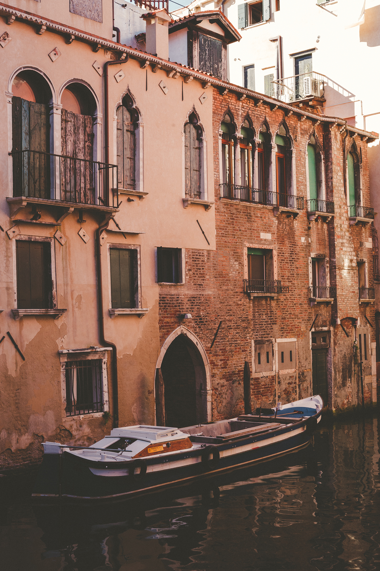 KC_Lifestyle_Photographer_OutdoorPhotography_Adventure_Photography_Venice_Italy18.jpg