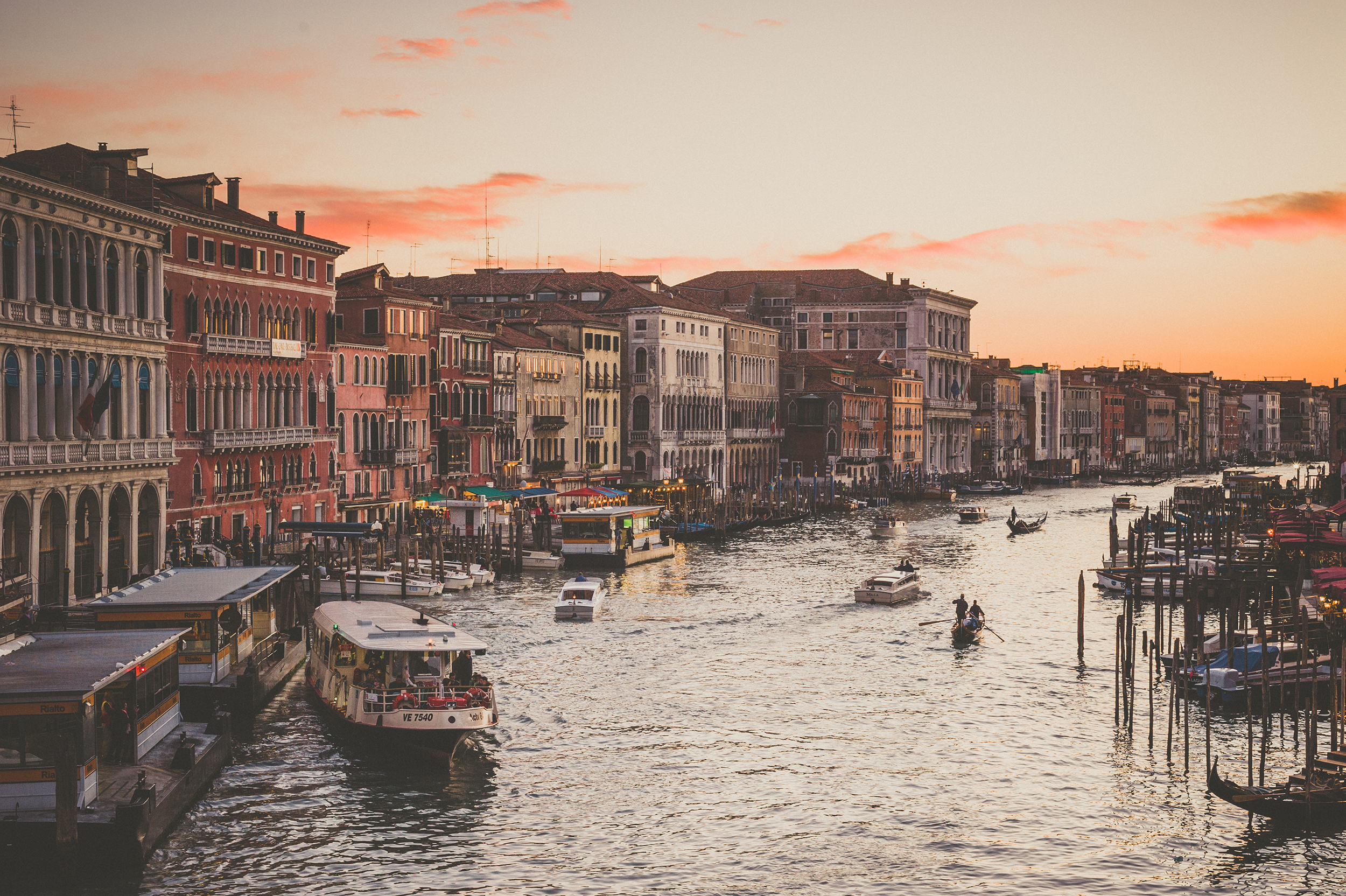 KC_Lifestyle_Photographer_OutdoorPhotography_Adventure_Photography_Venice_Italy35.jpg