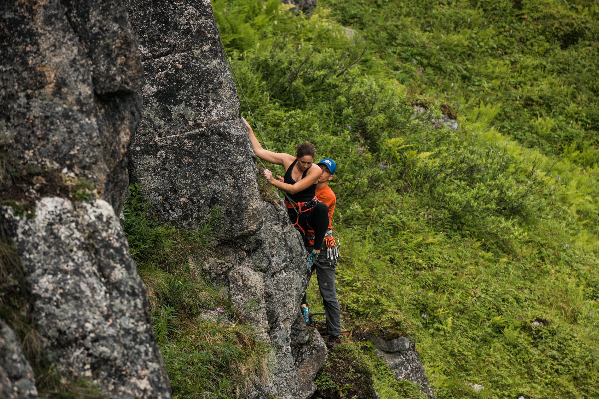 TaraShupe_Photography_Alaska_RockClimbing_HatchersPass_Travel_Photographer_Women_Adventure_034.jpg