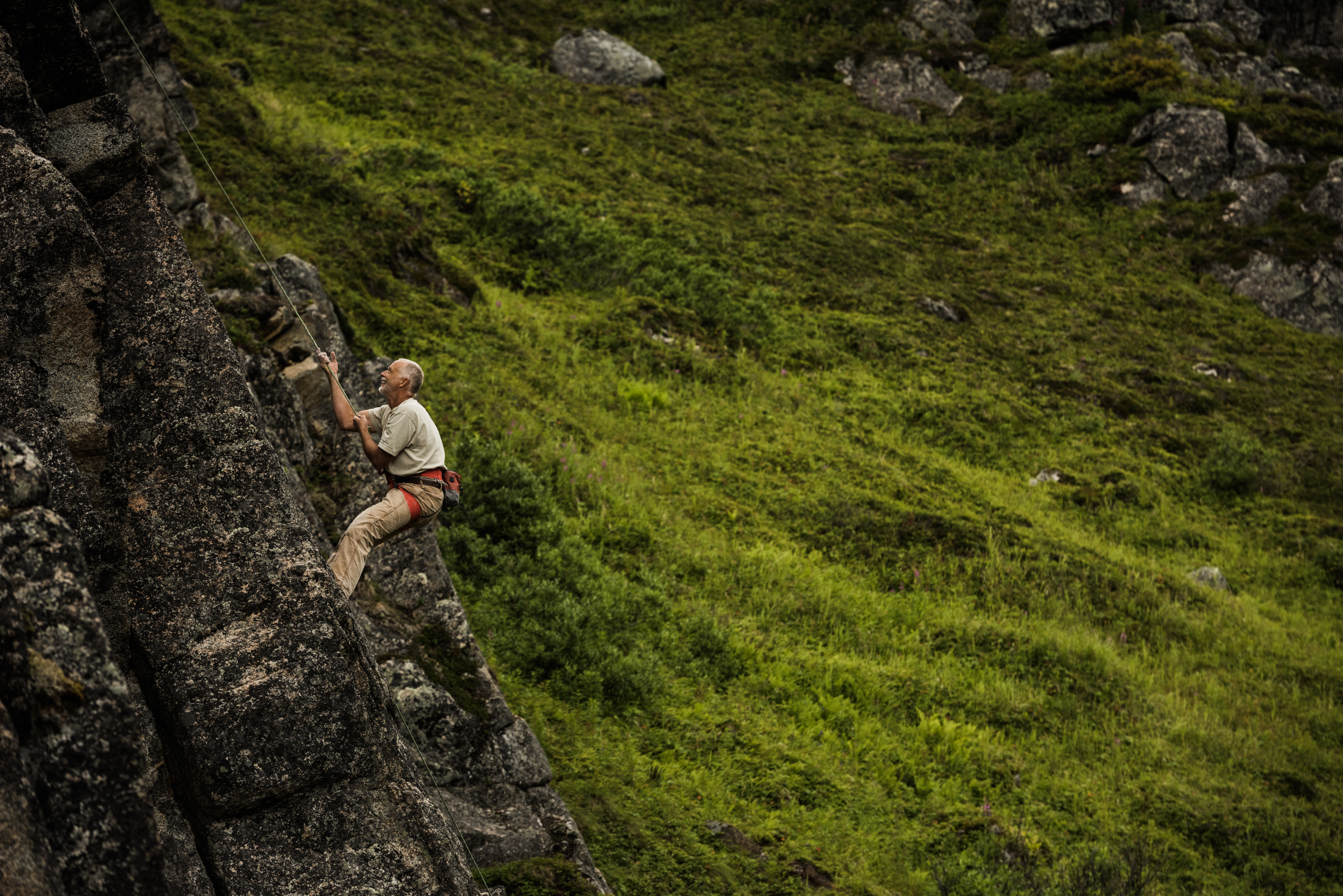 TaraShupe_Photography_Alaska_RockClimbing_HatchersPass_Travel_Photographer_Women_Adventure_039.jpg