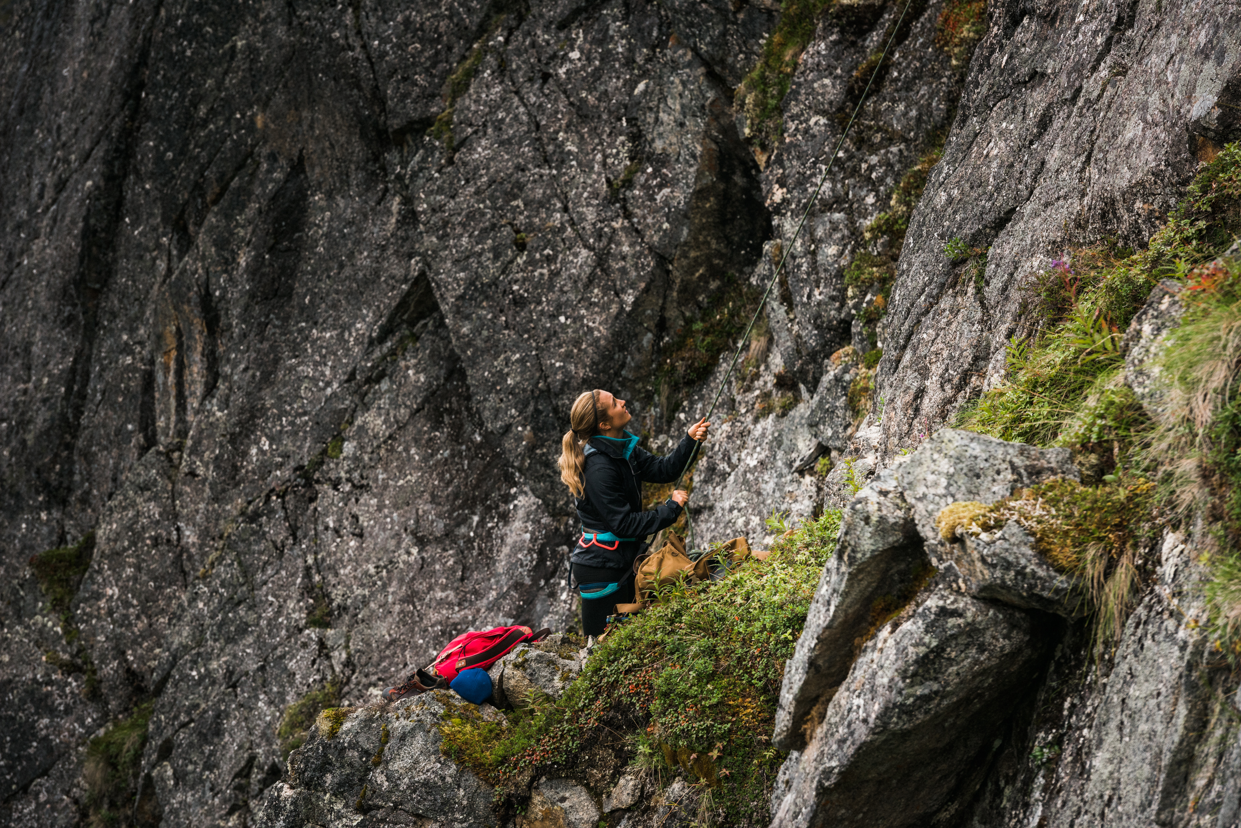 TaraShupe_Photography_Alaska_RockClimbing_HatchersPass_Travel_Photographer_Women_Adventure_048.jpg