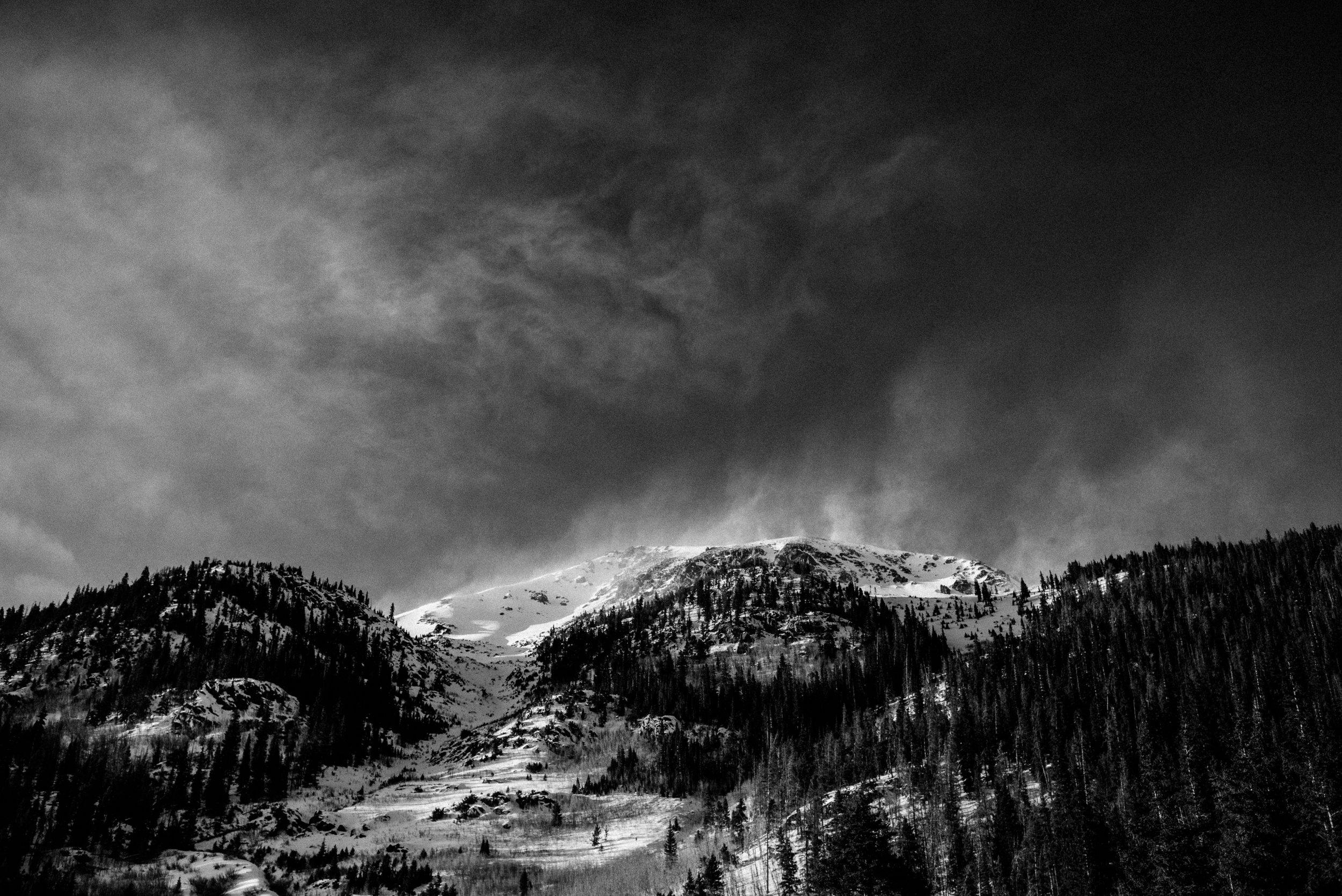 TaraShupe_Outdoor_Photographer_Loweprobags_Colorado_Copper_Mountains_Ski_02.jpg