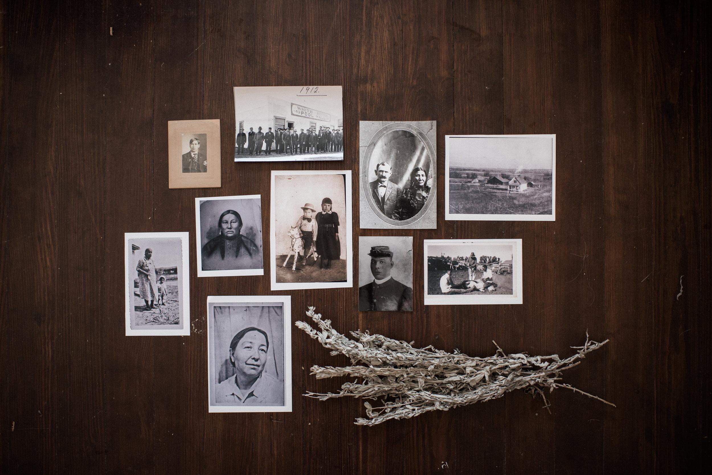 Old Lakota family photos.
