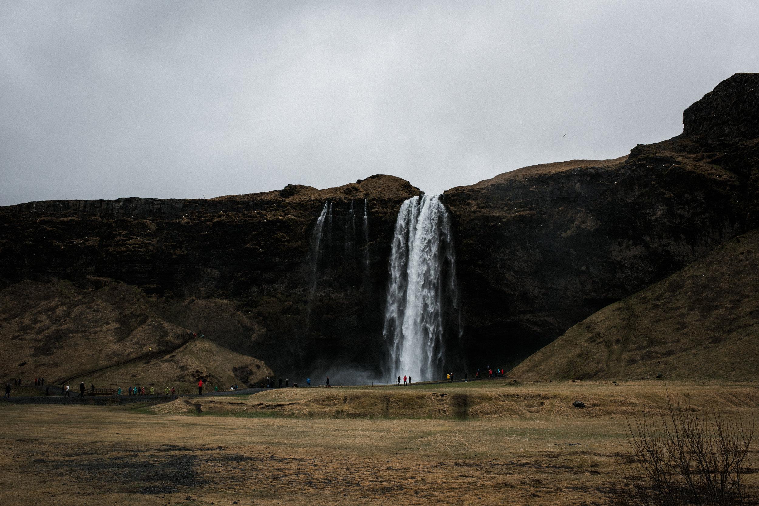 ICELAND_WOMAN_PHOTOGRAPHER_TARASHUPE_OUTDOOR_PHOTOGRAPHY_006.jpg