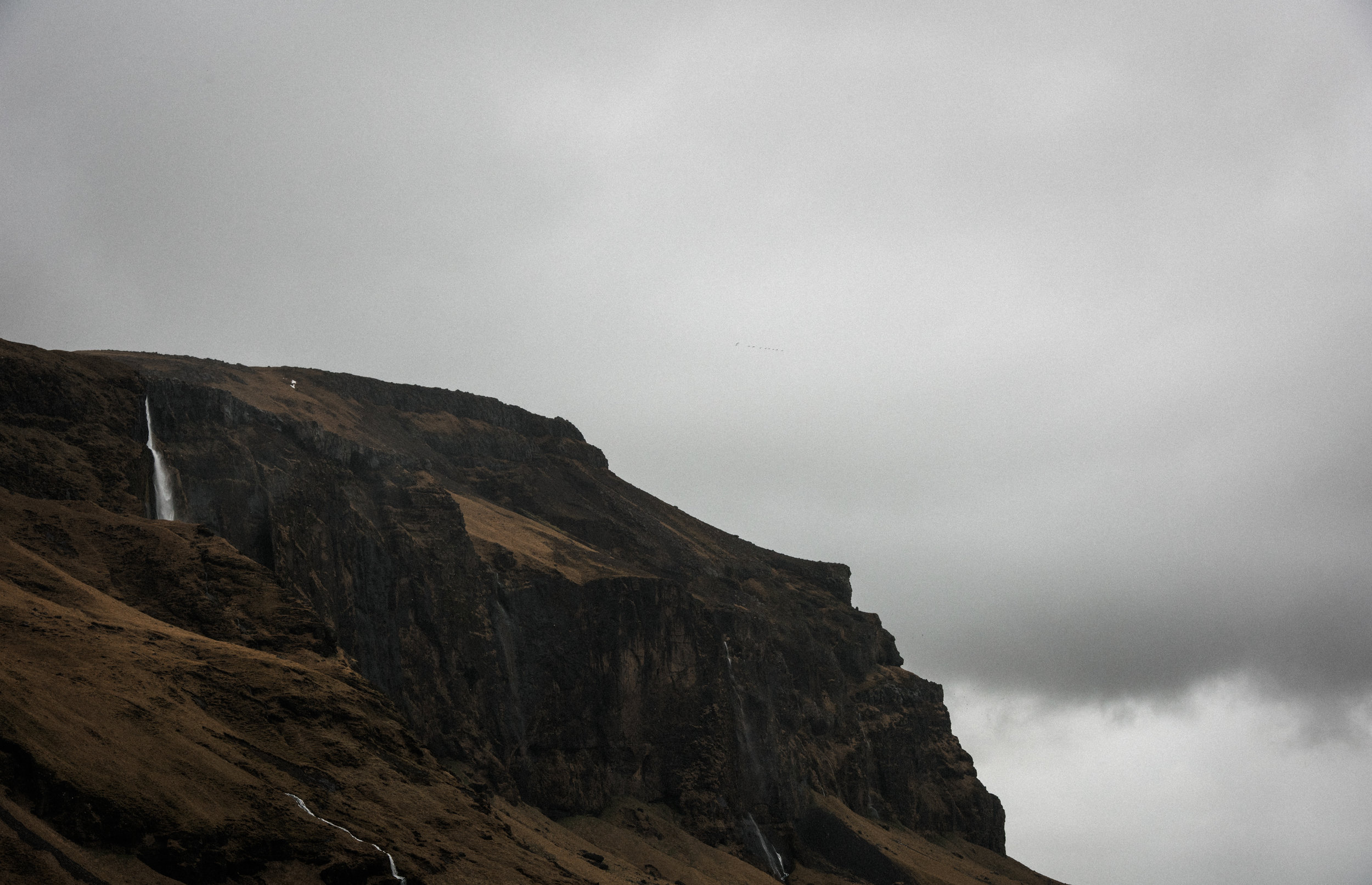 ICELAND_WOMAN_PHOTOGRAPHER_TARASHUPE_OUTDOOR_PHOTOGRAPHY_009.jpg
