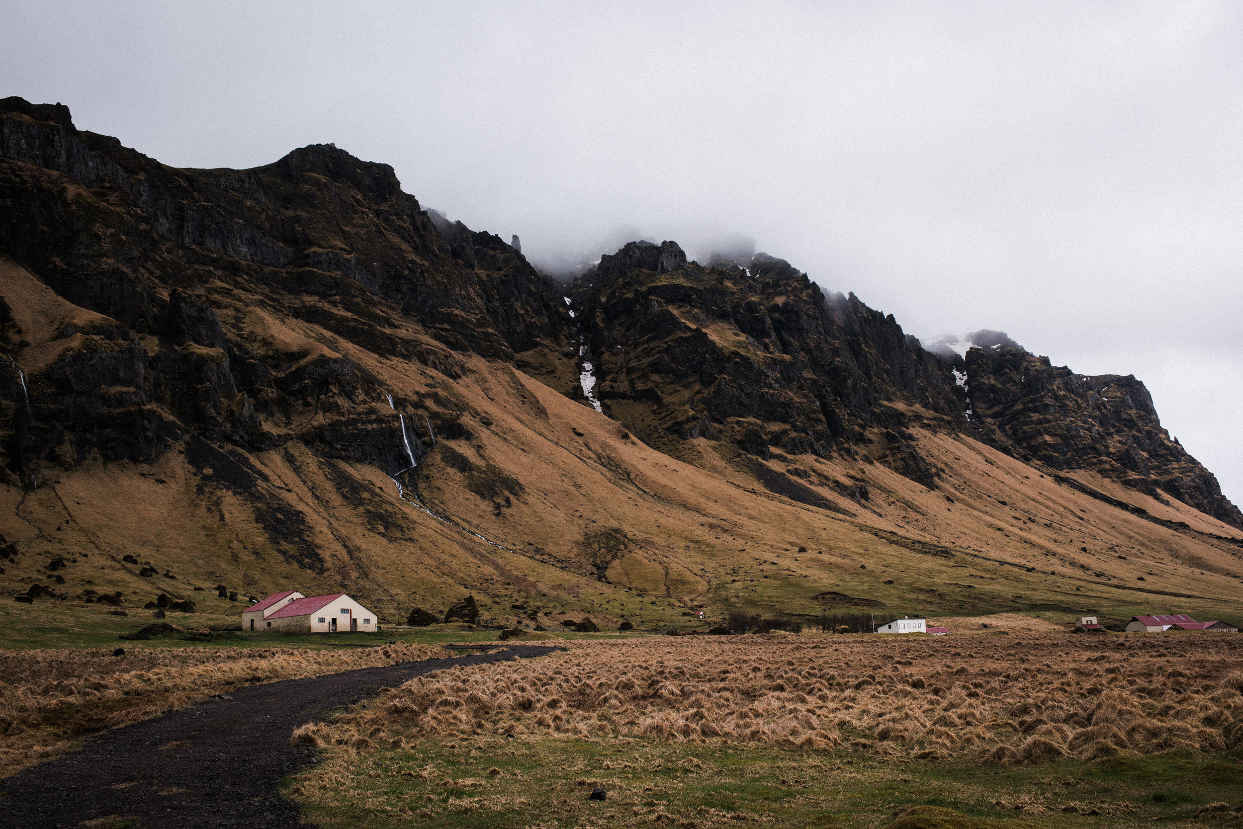 ICELAND_WOMAN_PHOTOGRAPHER_TARASHUPE_OUTDOOR_PHOTOGRAPHY_014.jpg