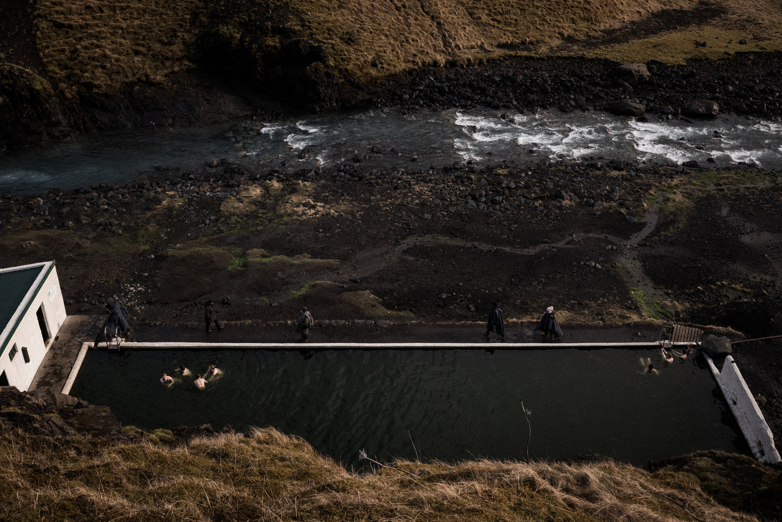 ICELAND_WOMAN_PHOTOGRAPHER_TARASHUPE_OUTDOOR_PHOTOGRAPHY_035.jpg