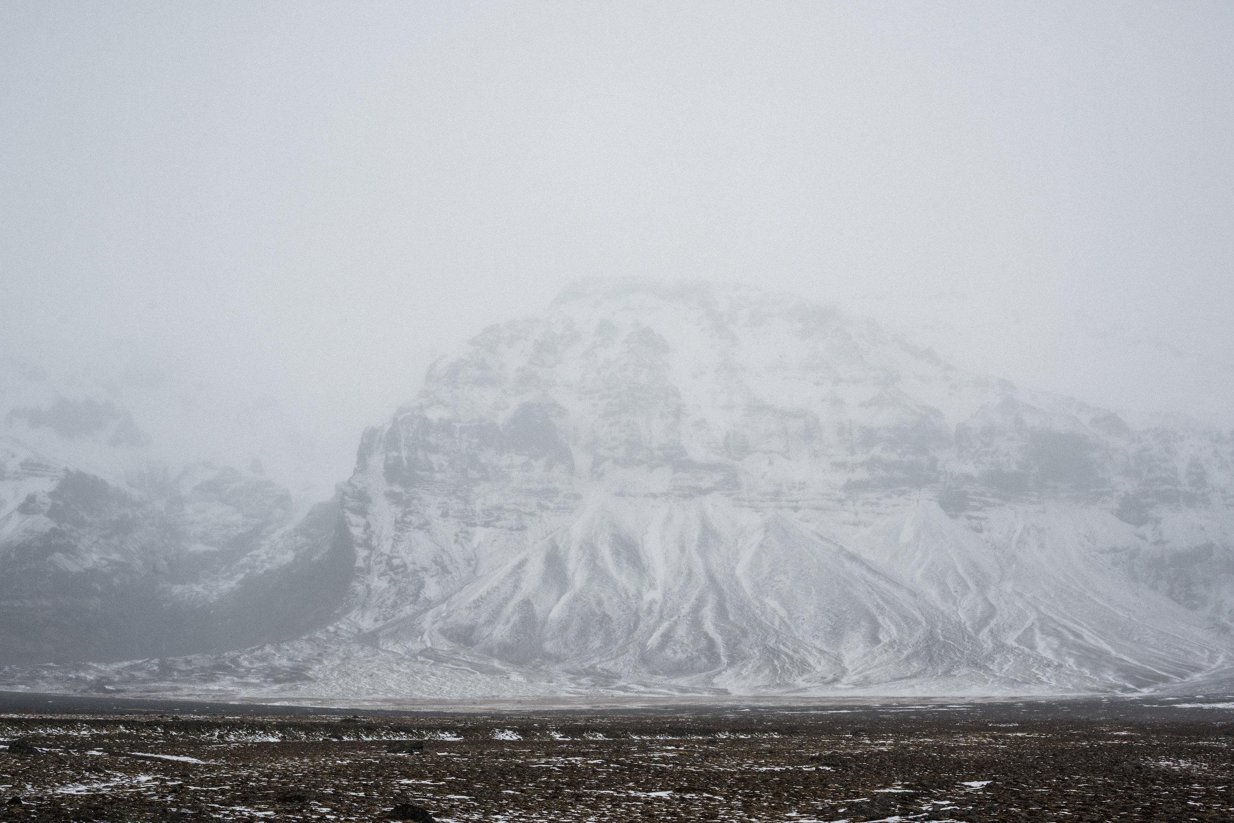ICELAND_WOMAN_PHOTOGRAPHER_TARASHUPE_OUTDOOR_PHOTOGRAPHY_104.jpg
