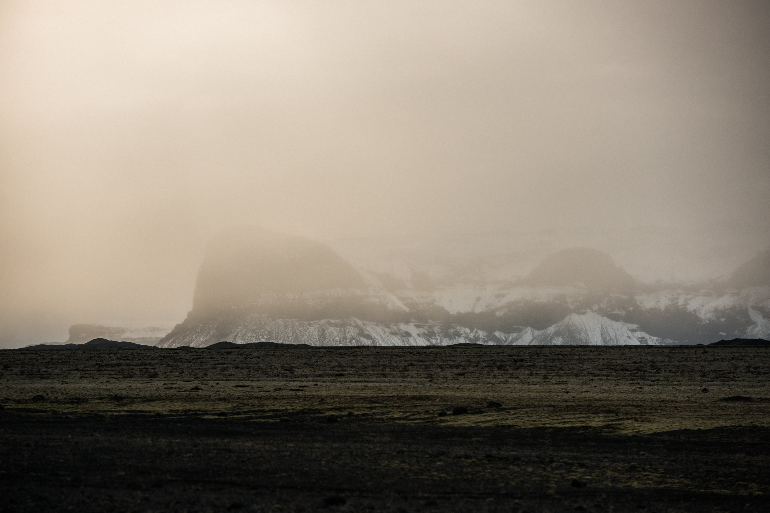 ICELAND_WOMAN_PHOTOGRAPHER_TARASHUPE_OUTDOOR_PHOTOGRAPHY_125.jpg