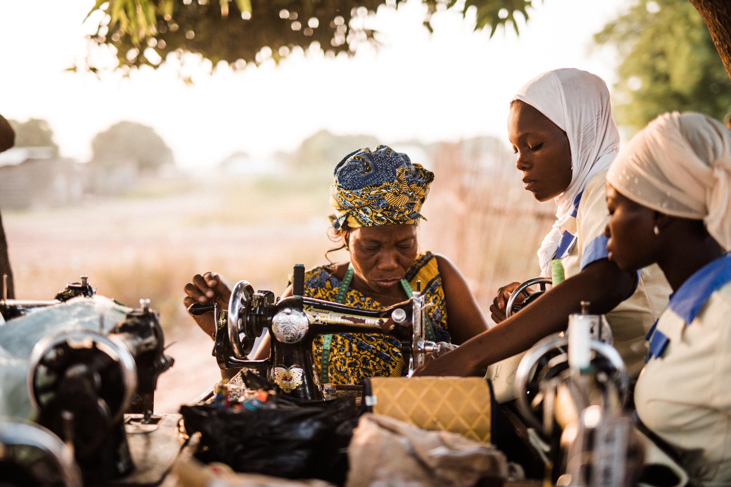 TaraShupe_HumanitarianPhotographer_Woman_Photographer_National_Geographic_Ghana_Women_009.jpg