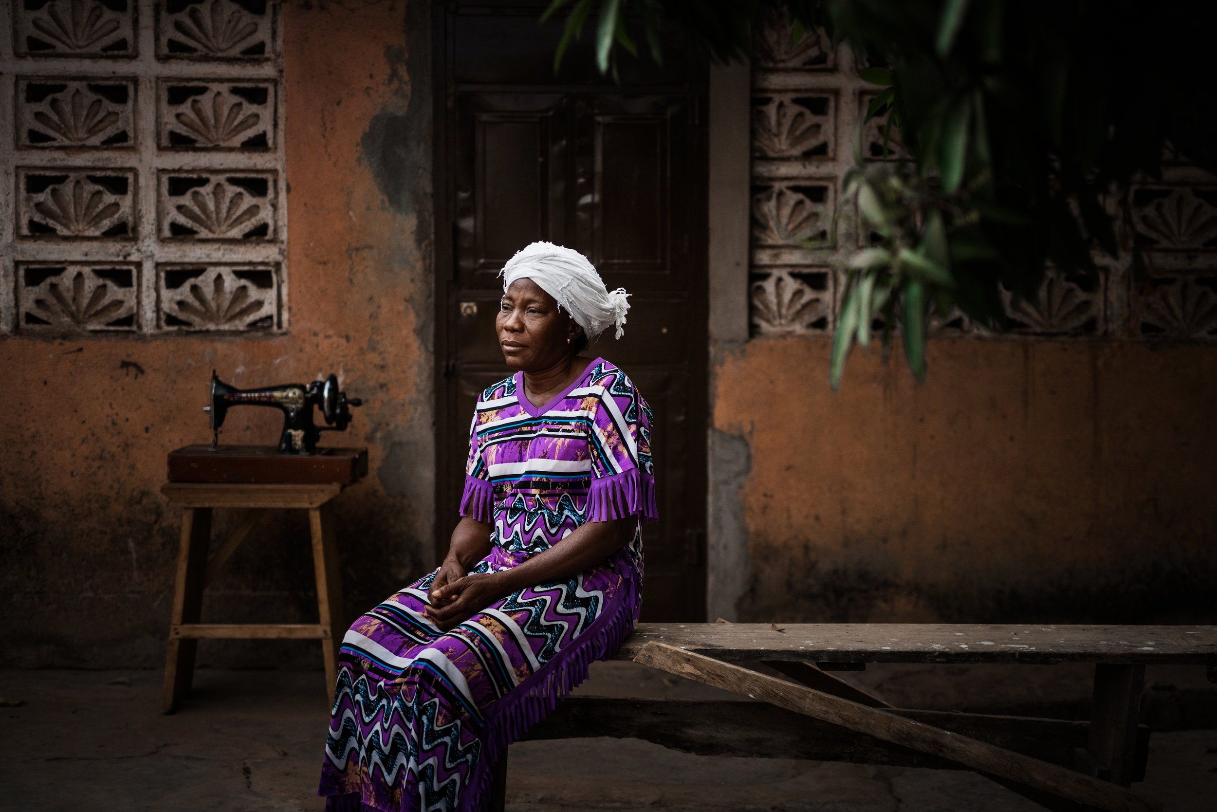 TaraShupe_HumanitarianPhotographer_Woman_Photographer_National_Geographic_Ghana_Women_062.jpg