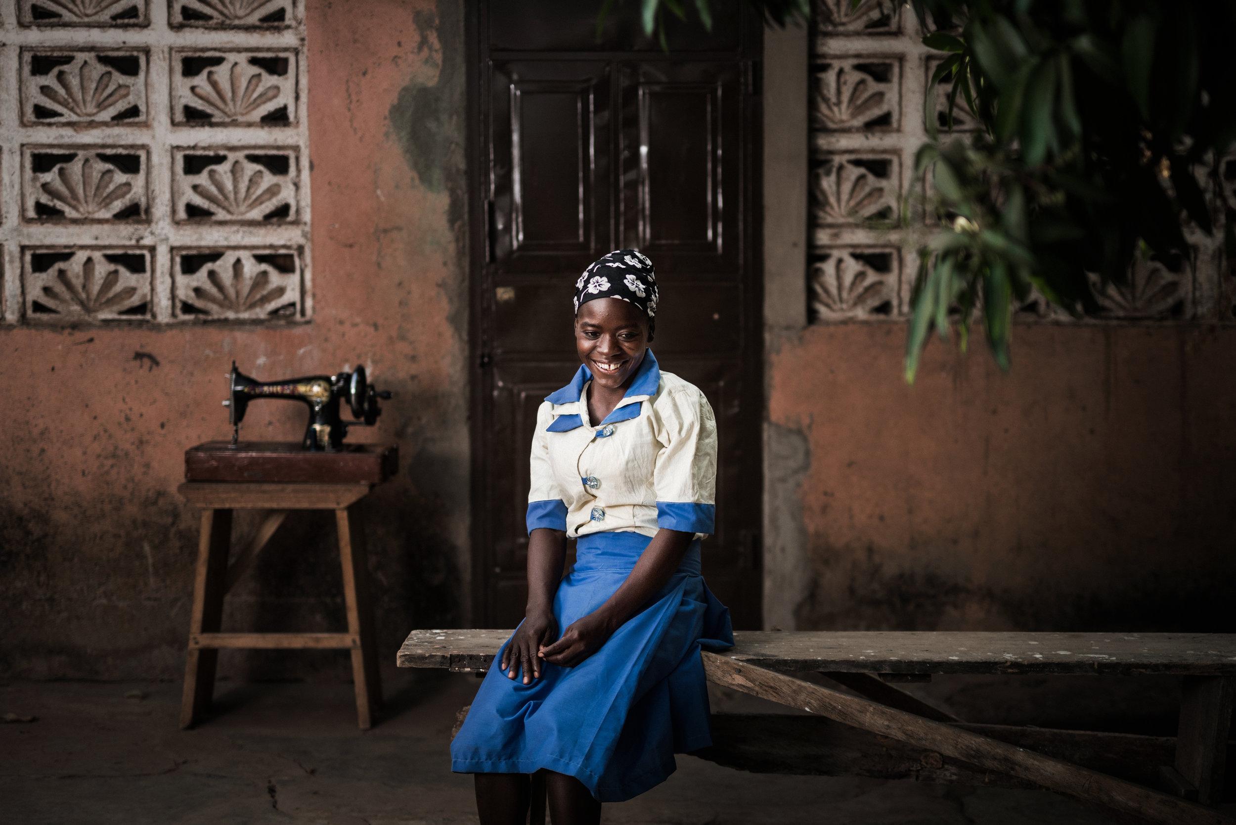 TaraShupe_HumanitarianPhotographer_Woman_Photographer_National_Geographic_Ghana_Women_070.jpg