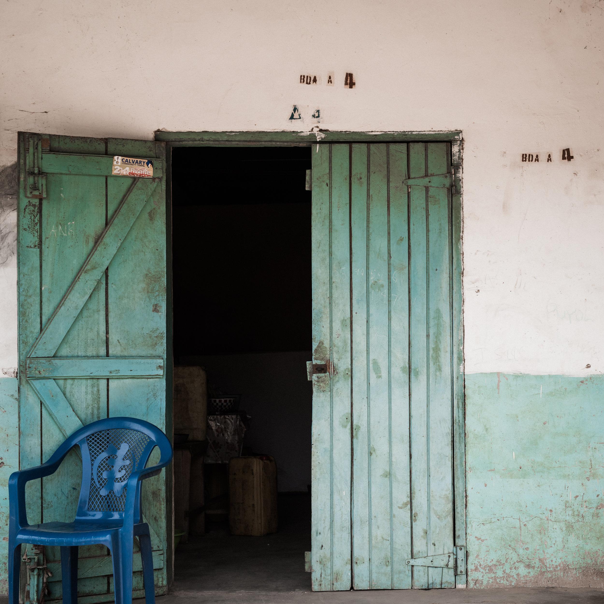 TaraShupe_HumanitarianPhotographer_Woman_Photographer_National_Geographic_Ghana_Women_022.jpg