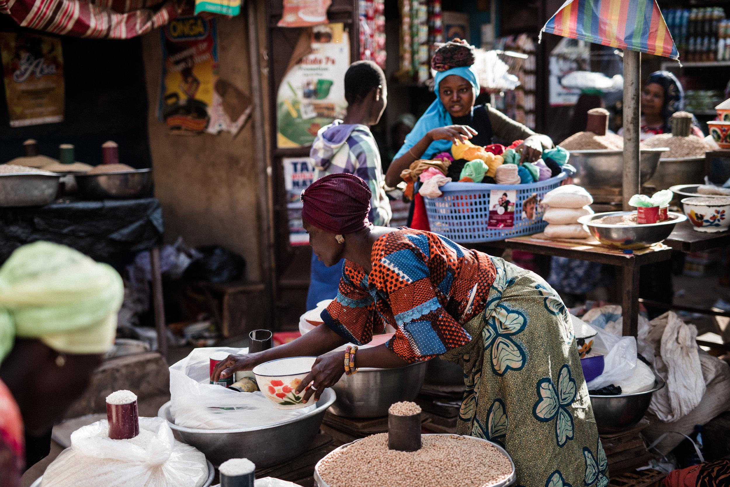 TaraShupe_HumanitarianPhotographer_Woman_Photographer_National_Geographic_Ghana_Women_051.jpg