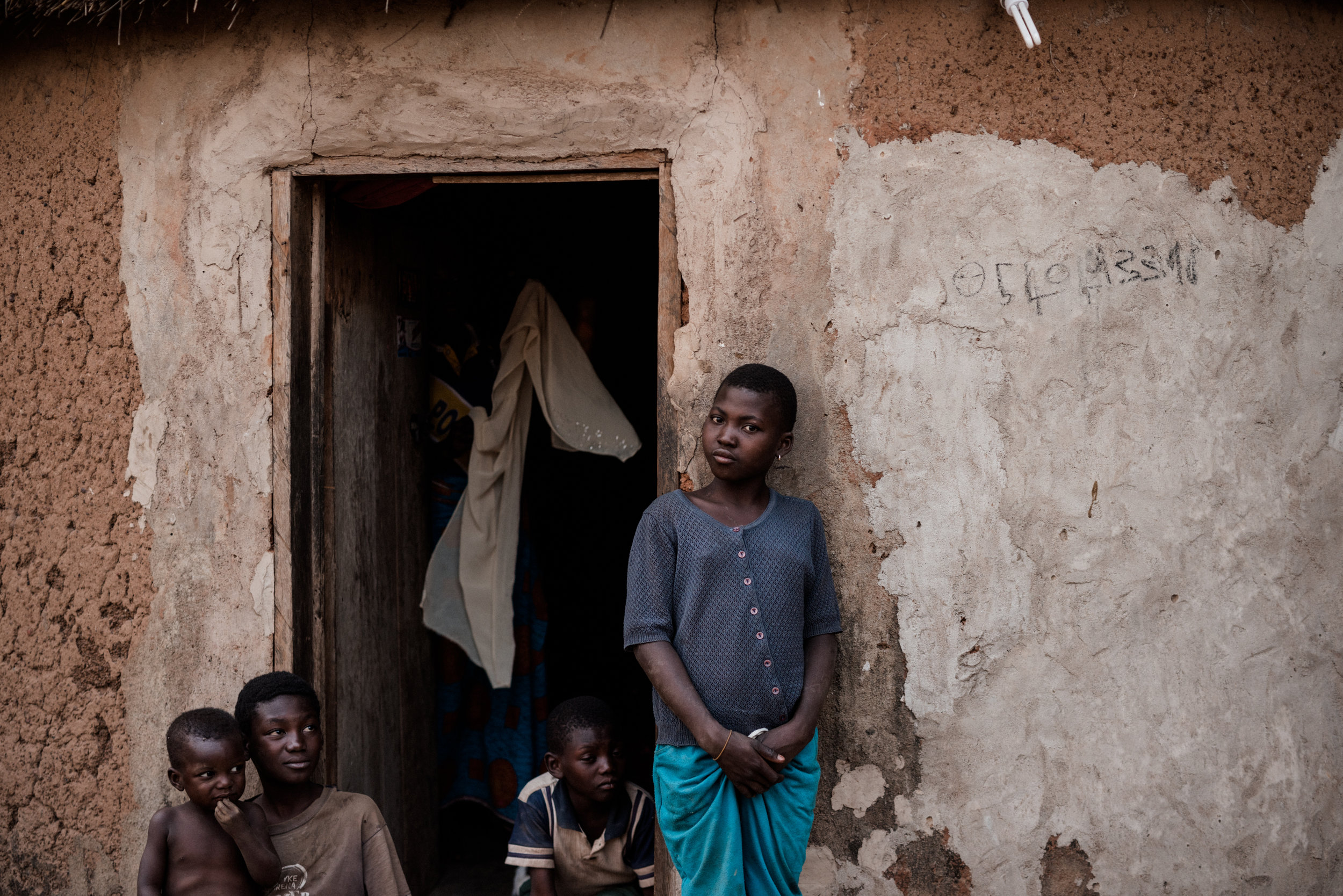 TaraShupe_HumanitarianPhotographer_Woman_Photographer_National_Geographic_Ghana_Women_035.jpg
