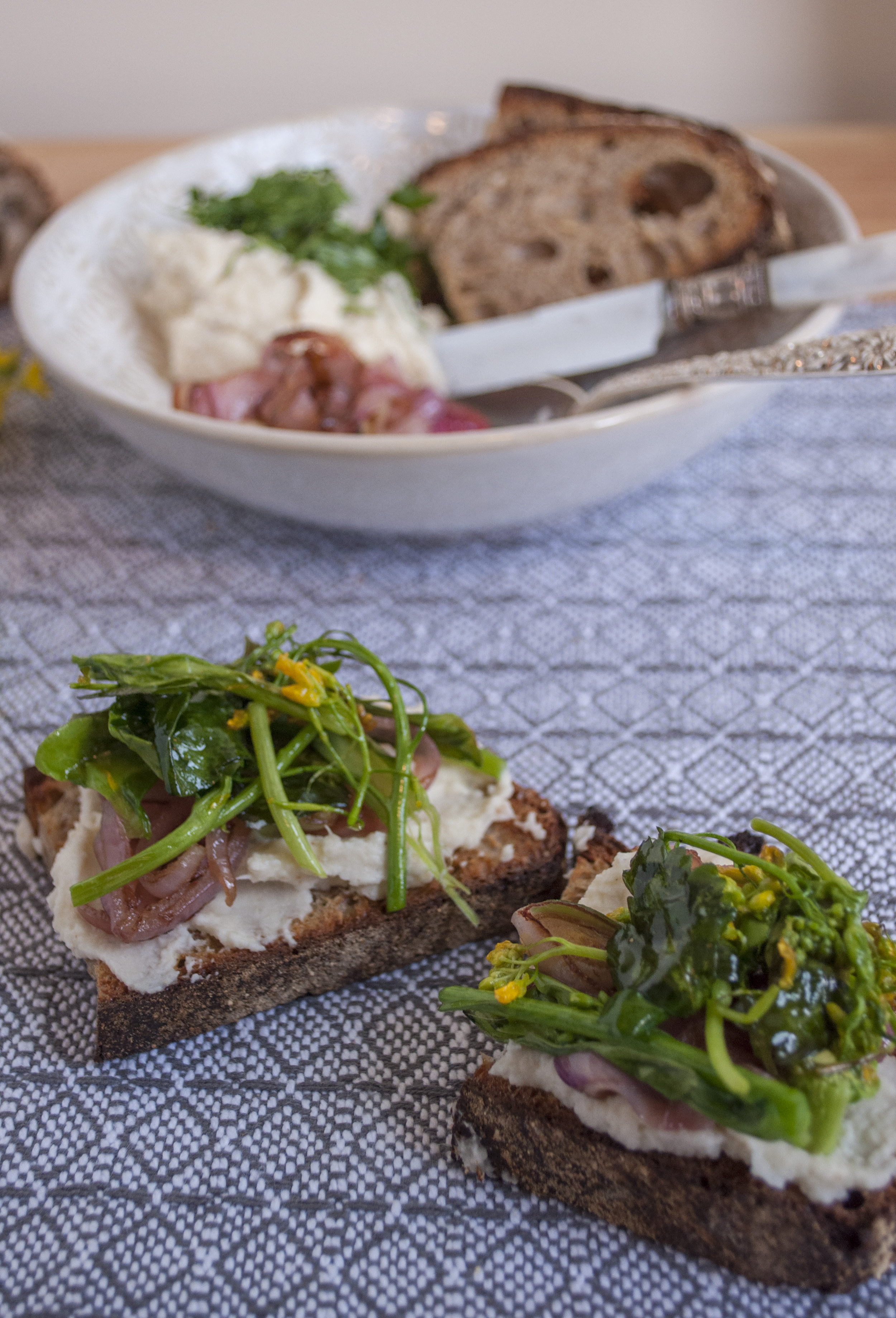 Summerfield Delight | Toasts with Cauliflower Hummus, Red Wine Shallots and Rapini
