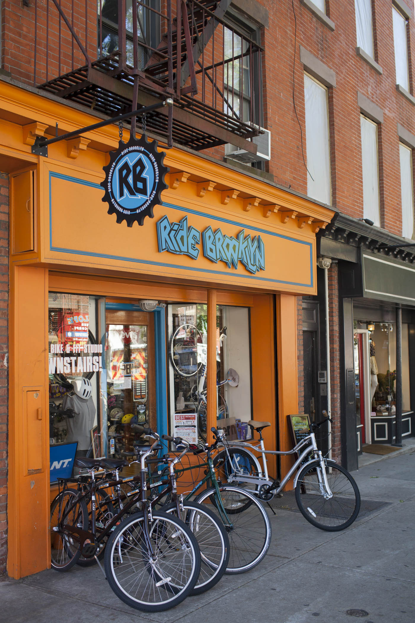 Liz Calvi, Photographer, Editorial Photography, Advertising Photography, London Photographer, Small Business Saturday, American Express, Park Slope NYC, Brooklyn, Ride Brooklyn, Brand Narrative