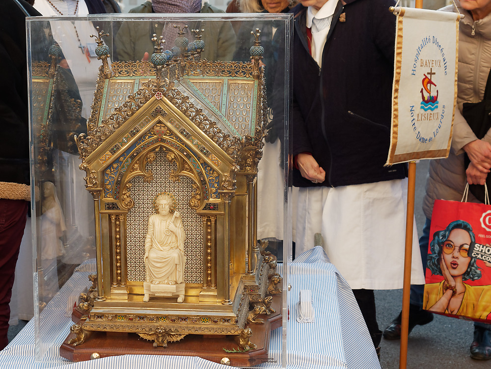 Another view of the reliquary of St. Bernadette of Lourdes as it is received at the Monastery of the Visitation at Caen