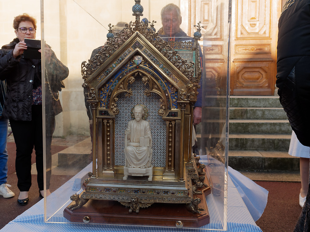 The reliquary of St. Bernadette of Lourdes about to be carried up the steps into the chapel of the Monastery of the Visitation at Caen