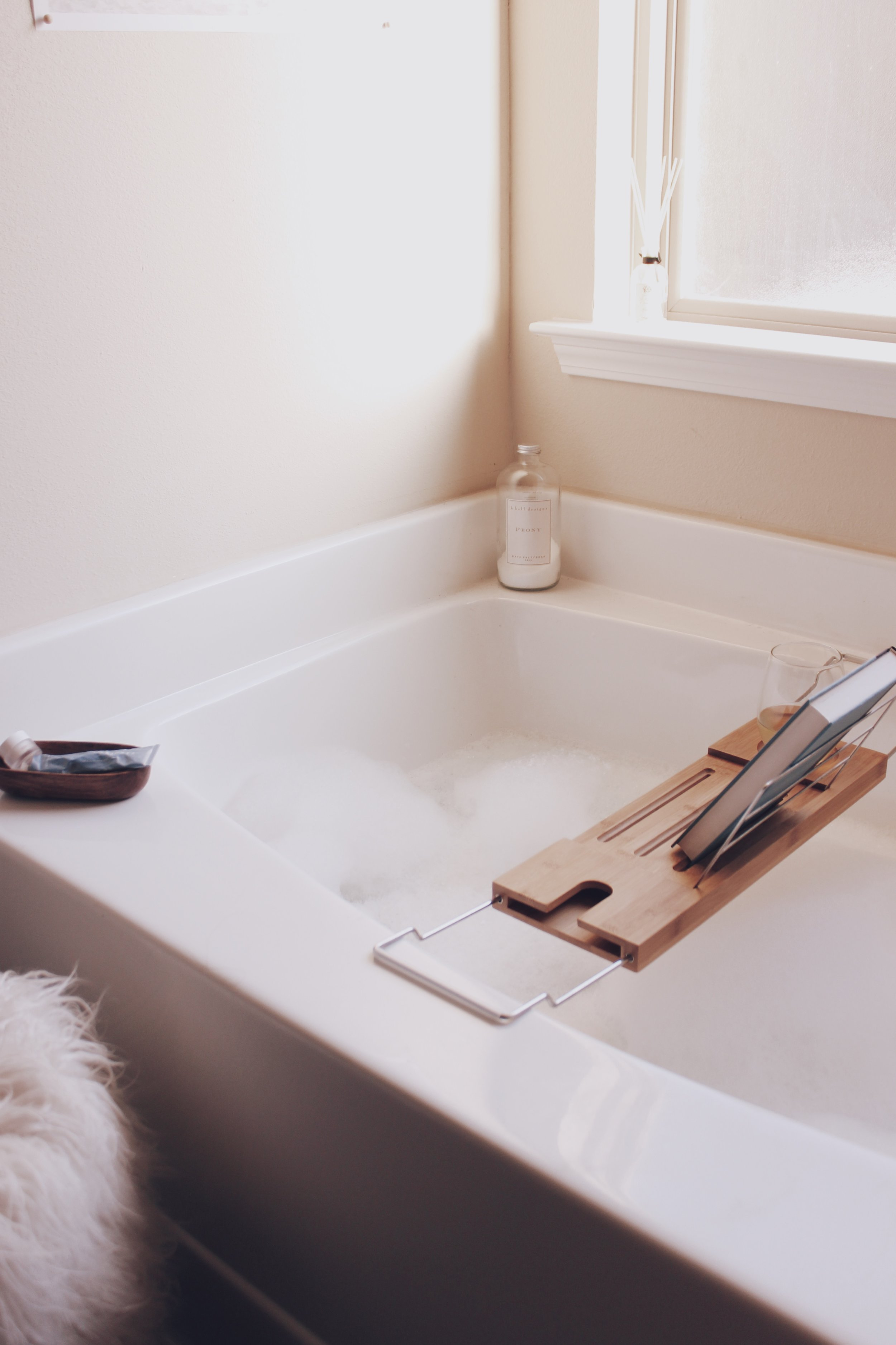 Why I Swear By Bubble Baths | Mental and Physical Health | Victoria Austin