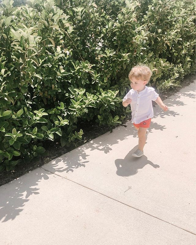My little boy running to his friend's birthday party! He's determined when there is a splash pad and cake involved 🤪! It's definitely starting to feel like Summer, even though we have a few more weeks to go.  @zarakids #summerbaby #zarakids http://liketk.it/2Cr9d #liketkit @liketoknow.it #LTKkids