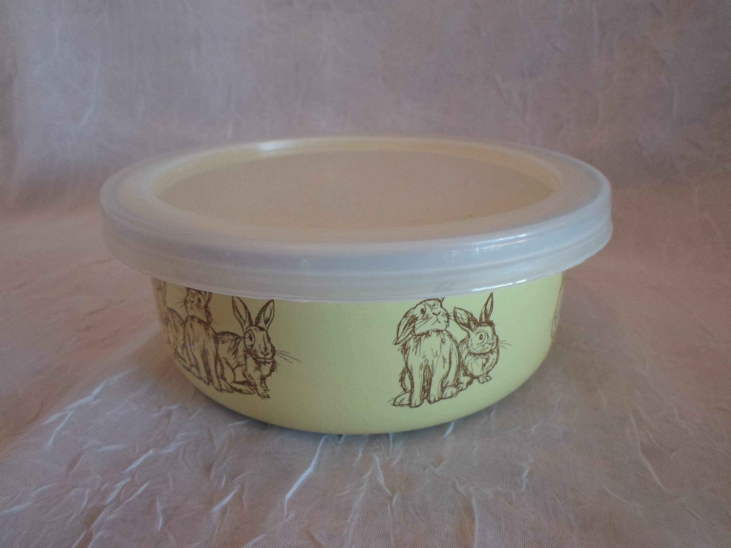 Enamelware Yellow Bunny Bowl   w/ Lid    $9.95    Wants 1 PURCHASED