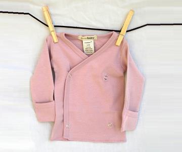 L'ovedbaby   Organic Kimono LS Shirt size 3-6m (your choice of color)    $19.95    Wants 2