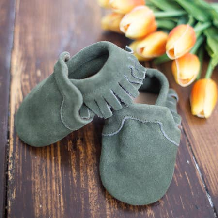SoJo Soft Sole Moccasins in Olive size 0-6m    $44.00    Wants 1
