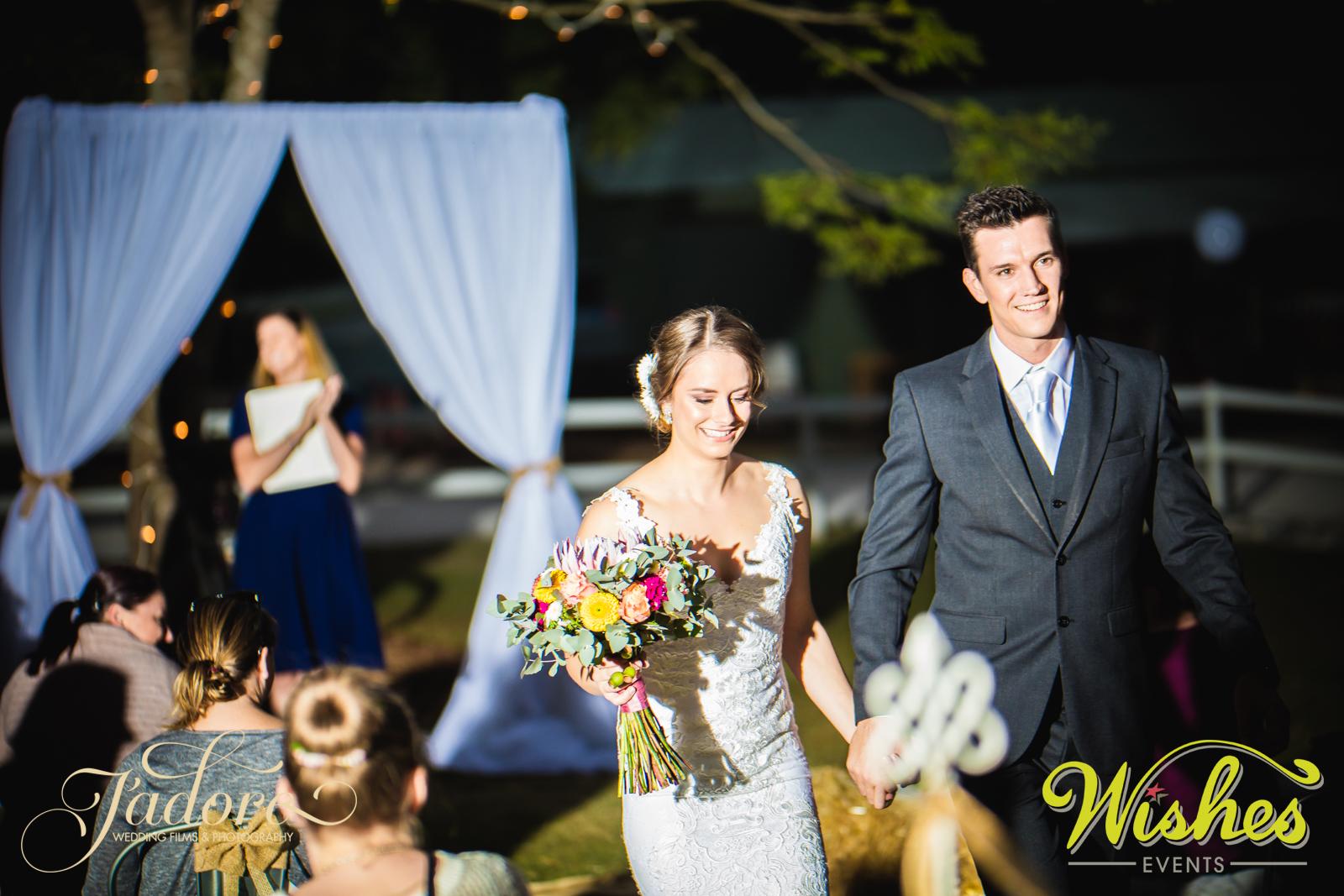 Bride & Groom Paradise Country Wedding