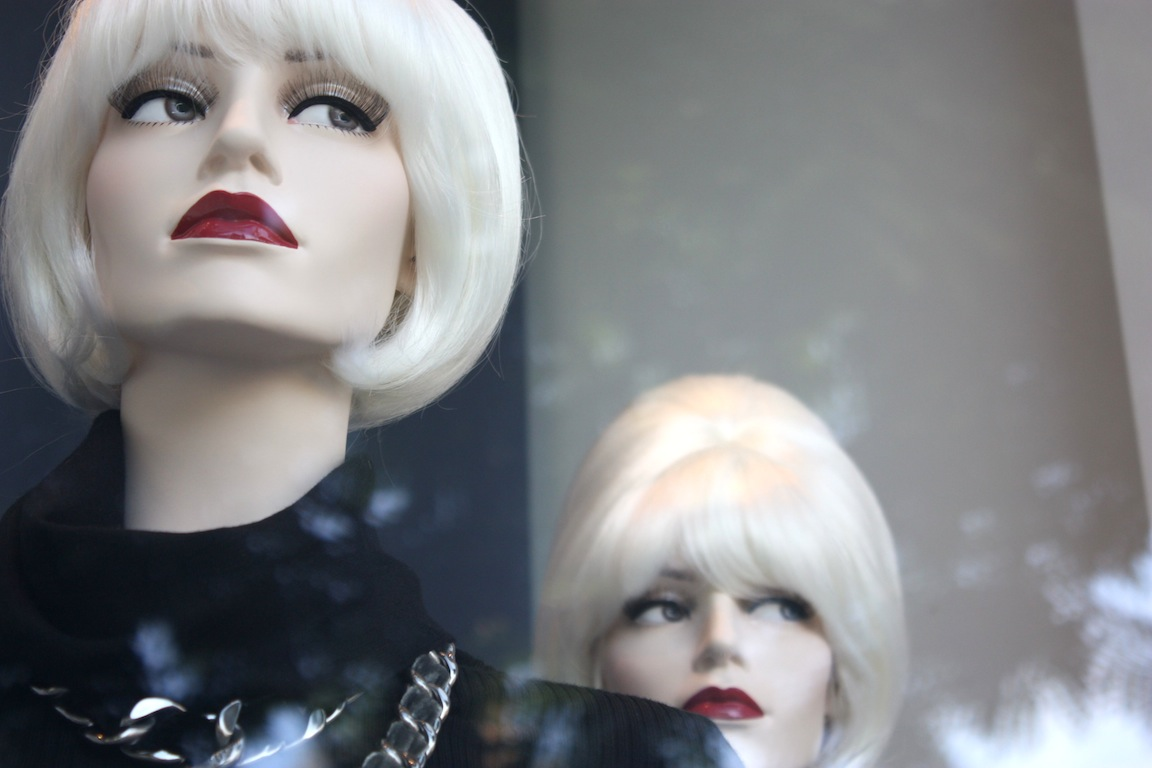 Chanel mannequins, Honolulu, HI / Photo credit: Susannah Breslin