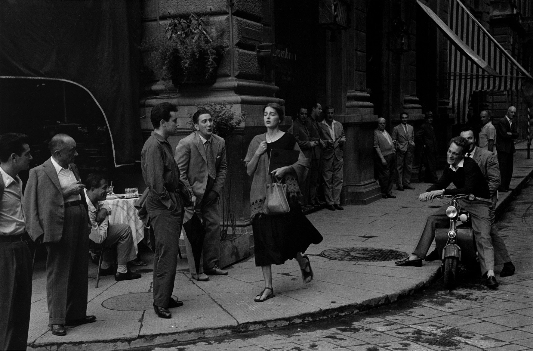 American Girl in Italy  / Photo credit:  Ruth Orkin