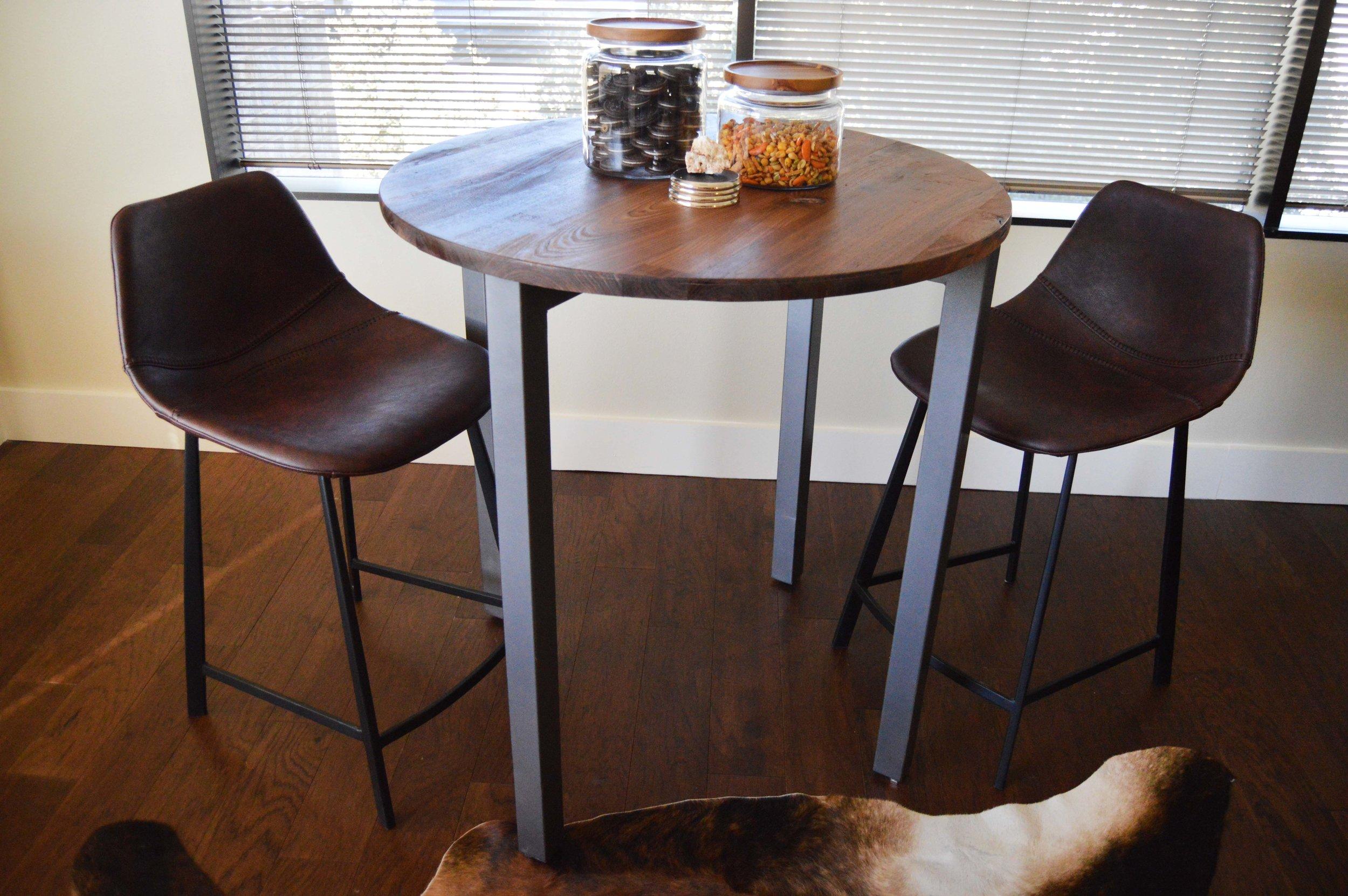 Guest Seating - Abode Interior Design