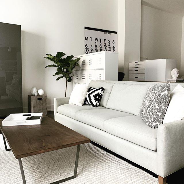 Lofty 🖤 #dtla #loft #minimalisthome #loftstyle