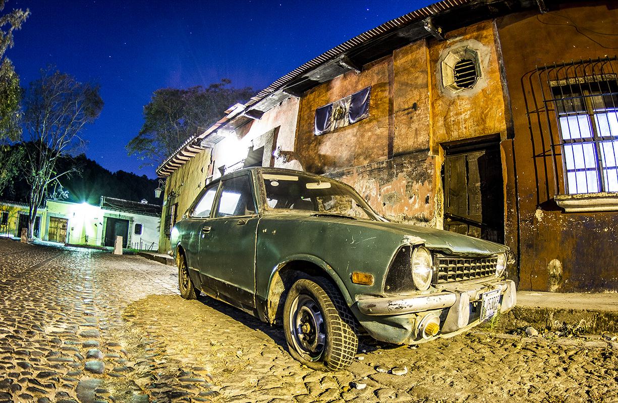 IMG_0963_Antigua_Guatemala_NathanielHarrington_Car.jpg