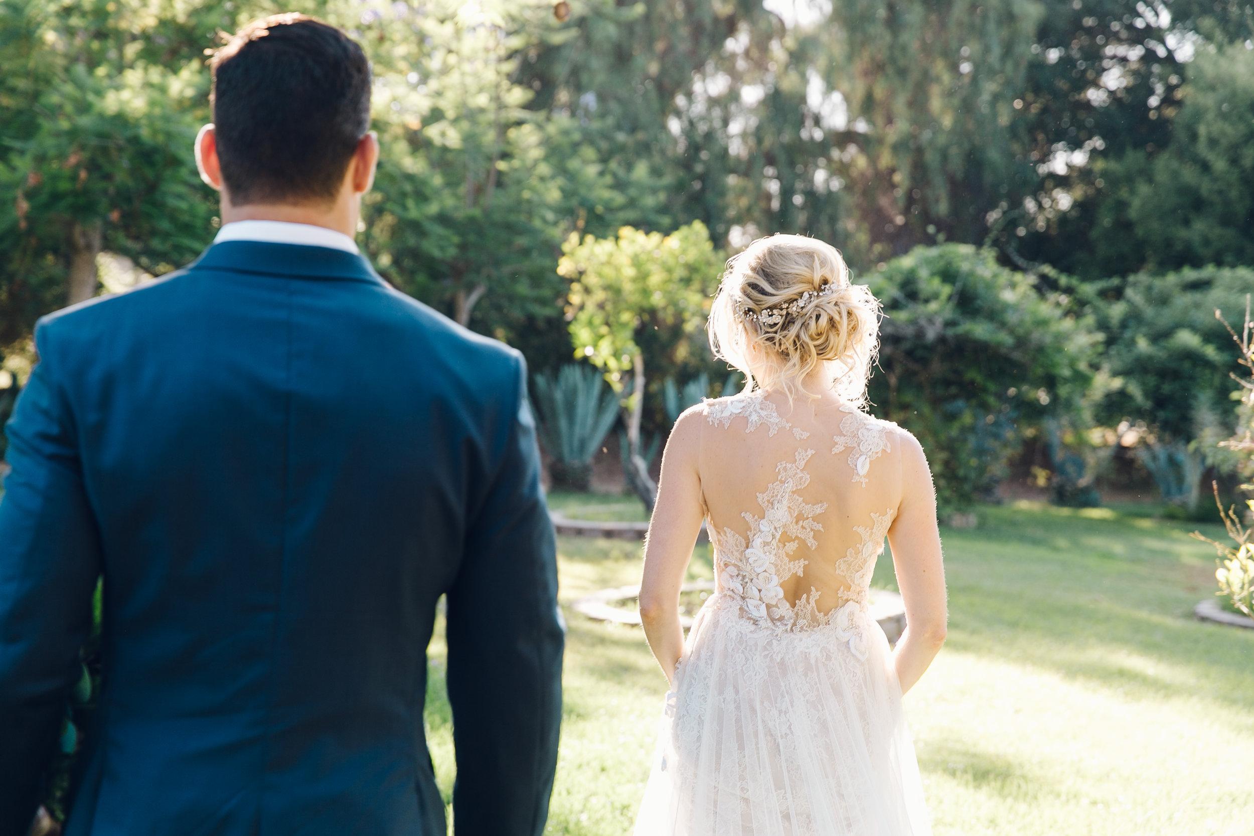 dreamy wedding photos bride and groom