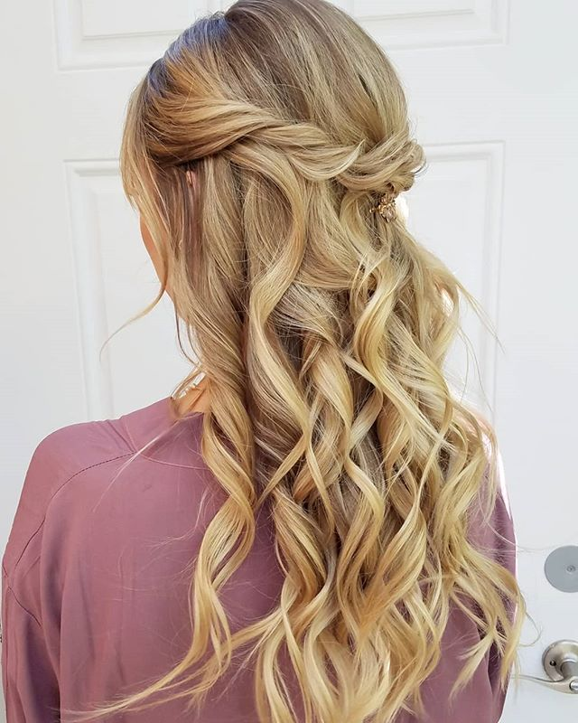 Perfect Goldilocks💟 . . . Got the honor of joining my gal pal @bridetobestyled for this gorgeous wedding @paradisefallsweddings . . . #onlocation #glamsquad #pursuepretty #entrepreneur #love #onlocationhair #travelinghairstylist #beauty #longhairdontcare #beautiful #instagood #picoftheday #pretty #gorgeous #stunning #beautiful #oceanside #rusticwedding #bohowedding #bridalhair #weddinghairstylist #weddings #sandiegowedding #sandiego #orangecounty #ocwedding #temecula #temeculaweddings #fallbrook #socalwedding