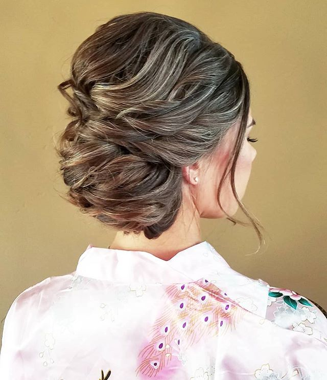 Side swept updo for this beautiful sister of the bride💕💕 . . . . . #onlocation #glamsquad #hairstylist #entrepreneur #love #onlocationhair #travelinghairstylist #beauty #updos #beautiful #instagood #picoftheday #pretty #gorgeous #stunning #beautiful #luxewedding #rusticwedding #bohowedding #bridalhair #weddinghairstylist #weddings #sandiegowedding #sandiego #orangecounty #ocwedding #temecula #temeculaweddings #fallbrook #socalwedding