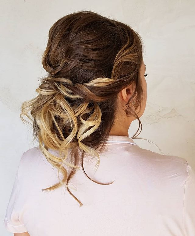 This undone updo is one of my fav's this season! . . . . . #onlocation #glamsquad #hairstylist #entrepreneur #updos #onlocationhair #travelinghairstylist #beauty #love #beautiful #instagood #picoftheday #pretty #gorgeous #stunning #beautiful #luxewedding #rusticwedding #bohowedding #bridalhair #weddinghairstylist #carlsbad #sandiegowedding #sandiego #orangecounty #ocwedding #temecula #temeculaweddings #fallbrook #socalwedding