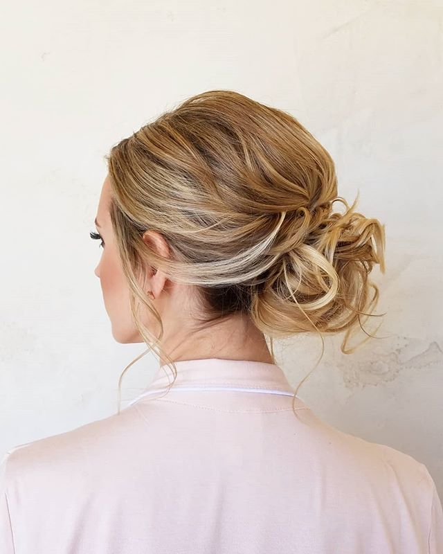 A tousled low bun is a perfect option for us blondies with fine hair🤗 . . . . . #weddingvendor #weddingpros #justengaged #shesaidyes #thatsdarling #weddingday #realwedding #sandiego #sandiegowedding #temeculawedding #thedailywedding #engagement #weddingstyle #events #weddingblog #weddinghair #wedding #weddinginspiration #bridal #weddingwednesday #weddingideas #temeculaweddings #weddingplanning #soloverly #ohwowyes #msweddings #theknot #bohowedding #californiawedding #pursuepretty
