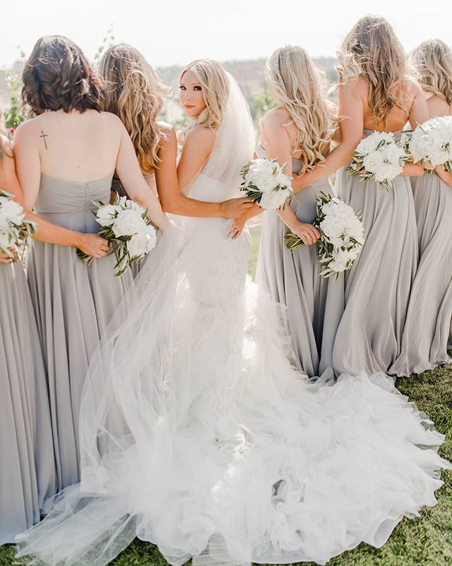 Wouldn't be the same without the besties by your side🥂 . . . . . #weddingvendor #weddings #justengaged #shesaidyes #thatsdarling #weddingday #realwedding #sandiegobride #sandiegowedding #temecula #stunning #beautiful #pretty #events #besties #weddinghair #bridesmaids #weddinginspiration #bride #wedding #weddingideas #sandiego #weddingplanning #soloverly #ohwowyes #msweddings #theknot #bohowedding #californiawedding #pursuepretty