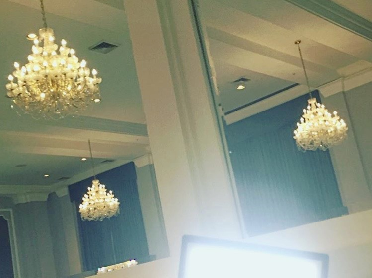 One of The Makeup Lights in action inside the ballroom where I'M GOING TO CLASS was held