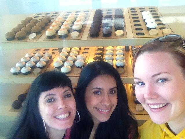 Team Latina loves CUPCAKES!